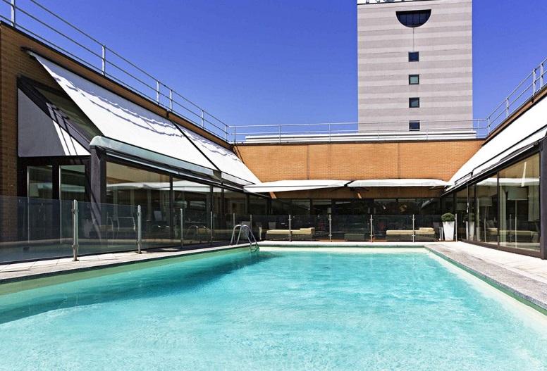 Piscina per feste private milano - Hotel con piscina milano ...